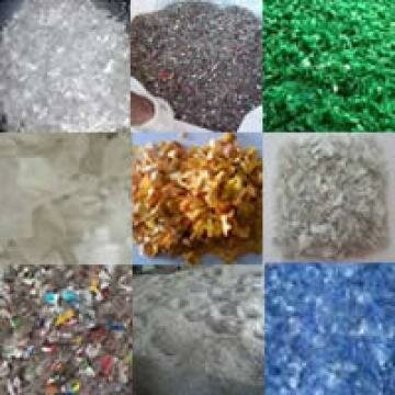 PET Bottle flakes Manufacturers available in Various colors